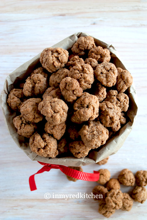 Pepernoten – tiny Dutch spiced cookies
