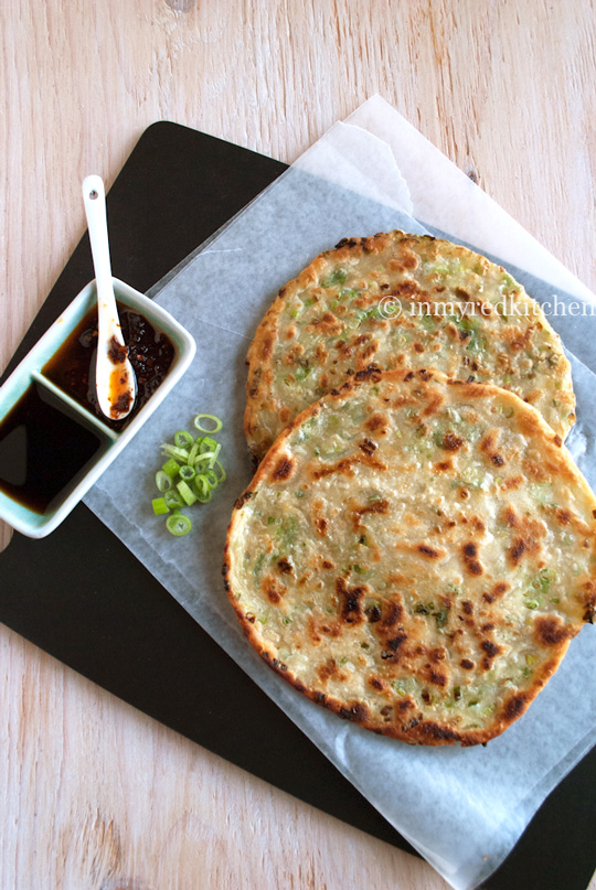 Crispy Chinese scallion pancakes that are seriously delicious! Perfect ...