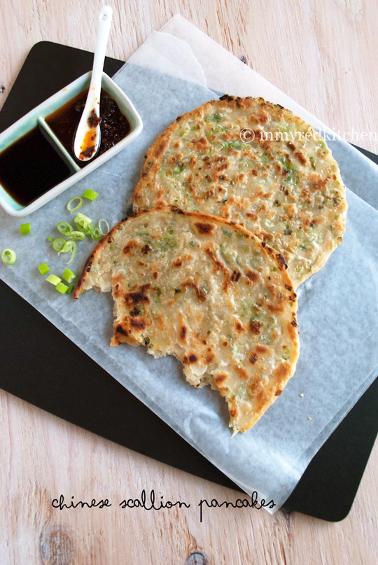 Chinese Scallion Pancakes incl step-byb-step photo's! | in my Red Kitchen