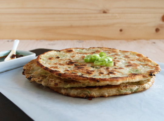 Chinese Scallion Pancakes incl step-byb-step photo's! | in my Red ...