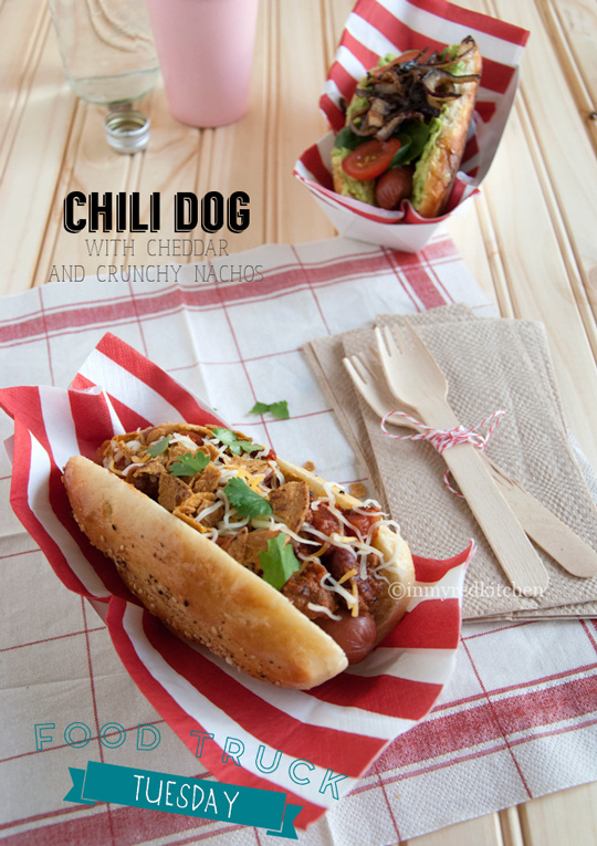 Chili dog - a hot dog with chili, cheddar and crispy tortilla chips. Home made fastfood! | in my Red Kitchen