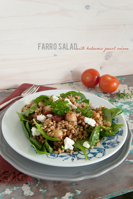 Farro salad with balsamic pearl onions, spinach and goat cheese | in my Red Kitchen