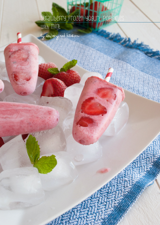 Strawberry frozen yogurt popsicles with mint - I'm ready for #summer! | in my Red Kitchen
