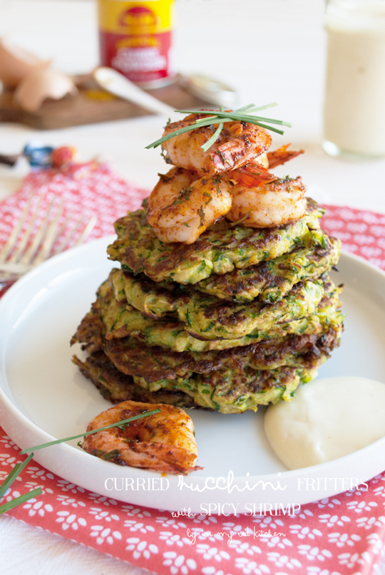 Curried zucchini fritters with spicy shrimp, a balanced and healthy meal! | in my Red Kitchen #glutenfree #zucchini #pancakes #shrimp #paleo