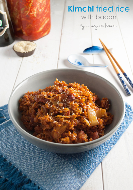 Kimchi fried rice with bacon - an easy and quick meal that's packed with flavor! | in my Red Kitchen #kimchi #korean #bacon #friedrice